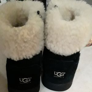Lil girl UGG boots